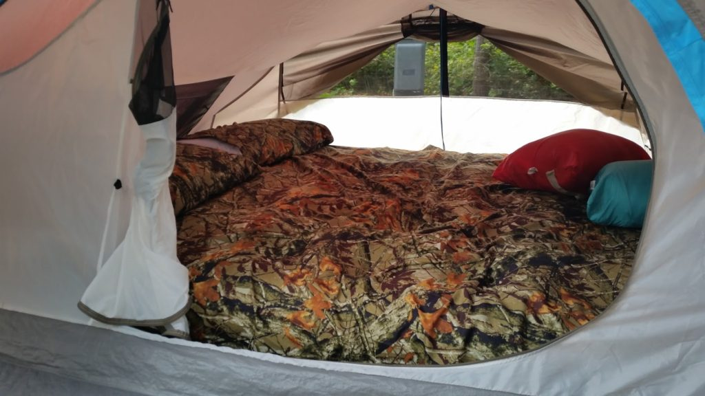 Wisconsin Dells KOA tent
