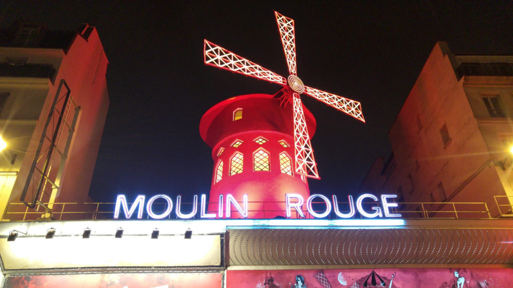 Moulin Rouge roof