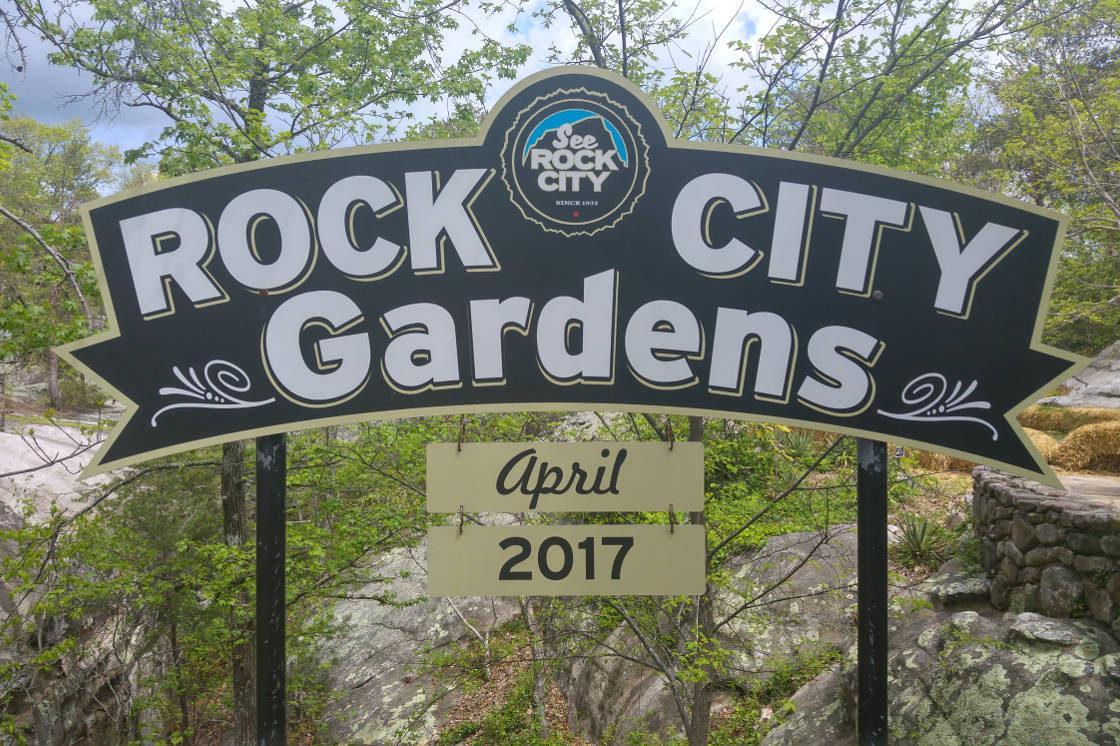 Rock City Gardens sign