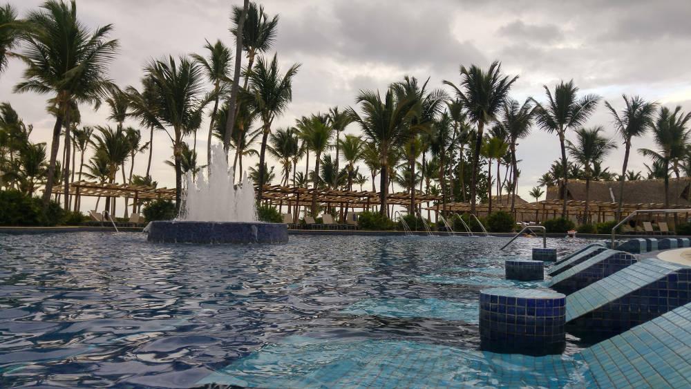 Barcelo pool