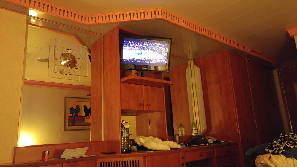 Clippers vs Jazz in room