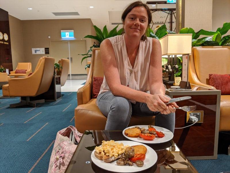 Linnie in Emirates lounge